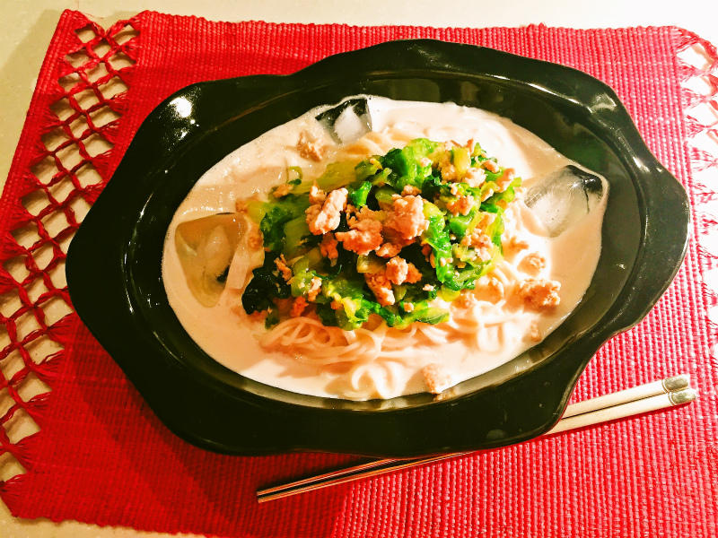 レタスと豚ひき肉の豆乳冷麺.jpg